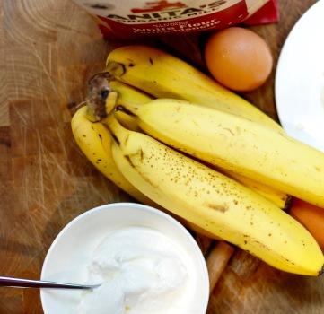Banana yogurt loaf
