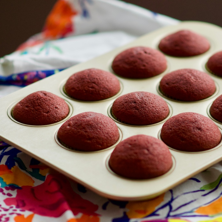 Red velvet cupcakes with no cream cheese frosting width=
