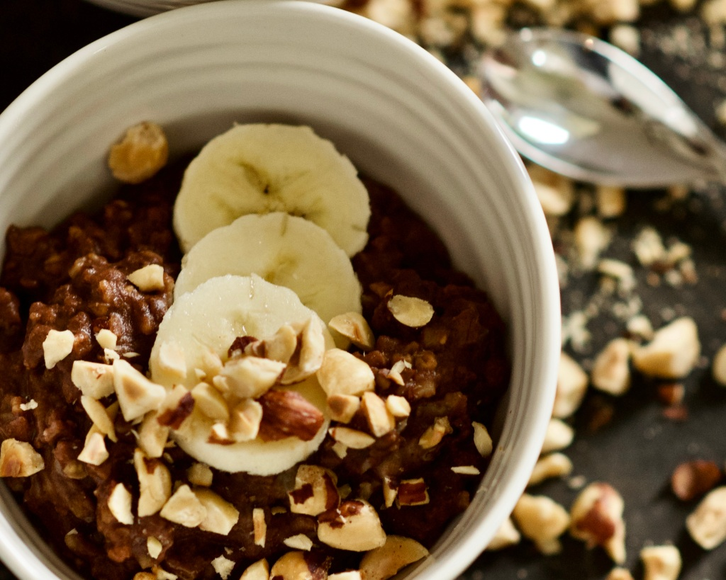Vegan oatmeal with chocolate and hazelnut